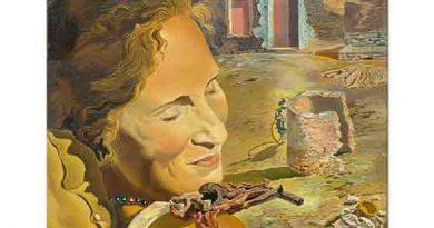 Salvador Dali Gala'nın Omuzunda Dengede Duran iki Kuzu Ağzı