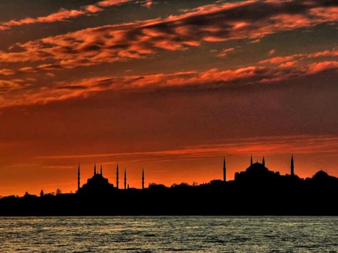 Osman Karamehmetoğlu Istanbul'da Günbatımı