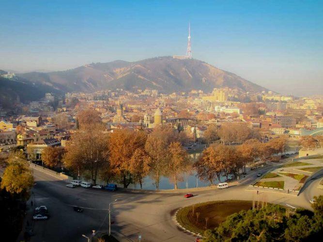 Tiflis manzarası bir öğleden sonrası