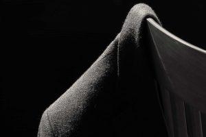 Sandalye Köşesindeki Ceket