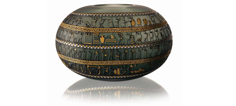 Camda Dünya Mirası koleksiyonundan inandık vazo