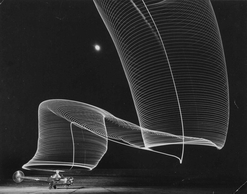 Andreas Feininger Gece Uçuşunda Helikopter İzleri